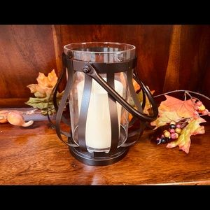 Beautiful Candle Holder w/ Battery Operated Candle
